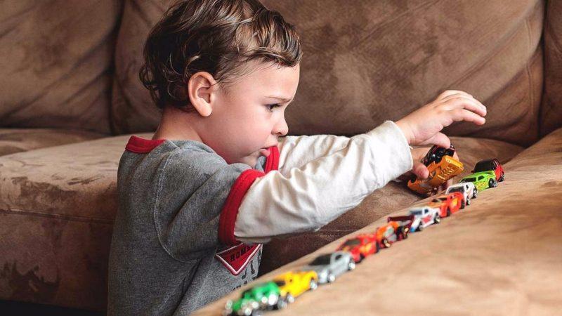 Изменение распорядка дня: аутичные дети и подростки