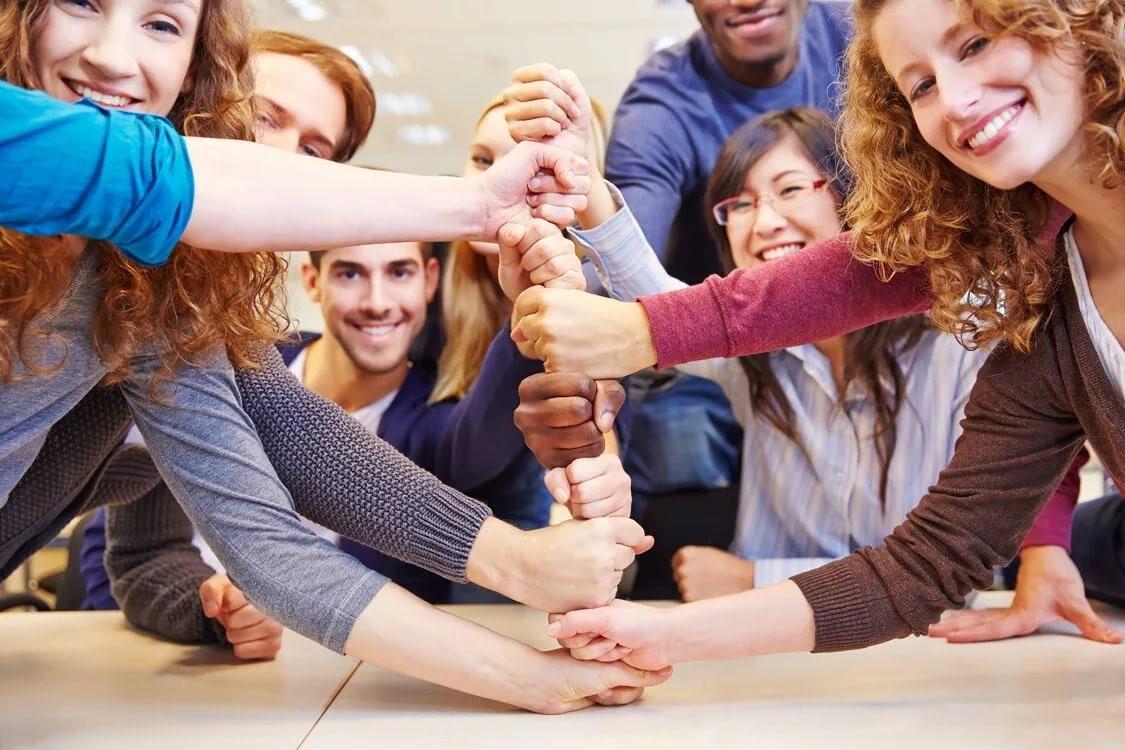 Исследование показало влияет ли возраст на социальную активность