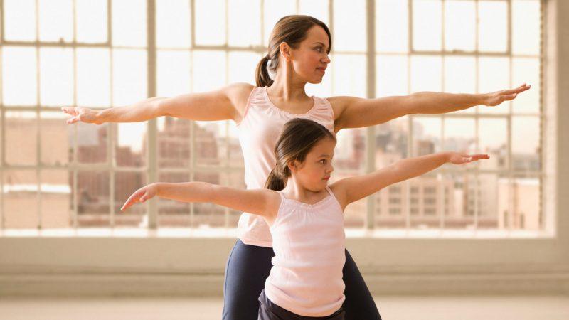 Как защитить дочь от негативных переживаний о своем теле