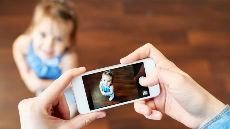 Можно ли выкладывать фото детей в инстаграм и интернет